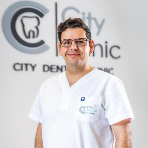 Zubár Adam City Clinic